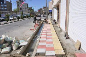 هموارسازی مسیرهای پیاده خیابان جهان آراء